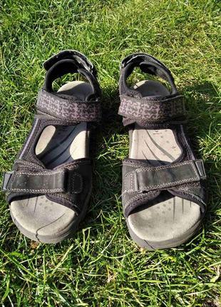 Босоніжки сандалі superfit