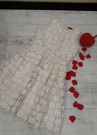 Шикарное платье гипюр