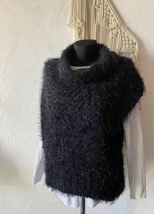 Итальянский жилет чёрного цвета травка с шерстью в составе