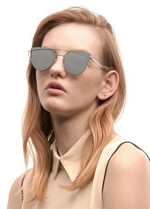 Солнцезащитные очки с металлической двойной серебряной рамой и зеркальной линзой