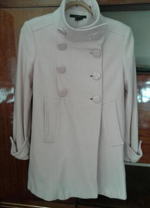 Нежно розовое пальто zara