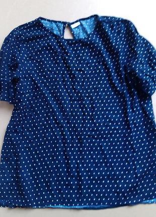 Милая блузка в горошек
