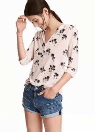 Лёгкая бежевая  рубашка / блуза с пальмами h&m