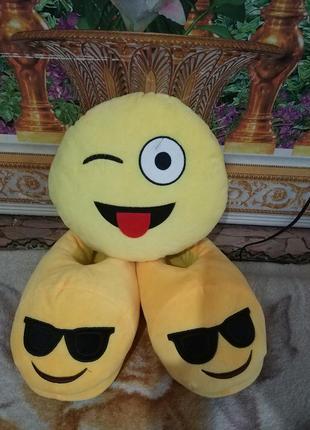 Тапочки и подушка emoji