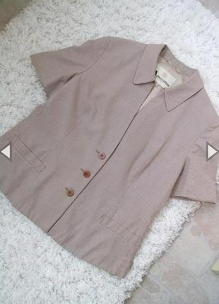 Летний пиджак с коротким рукавом фирмы aquascutum of london, р.12(40)