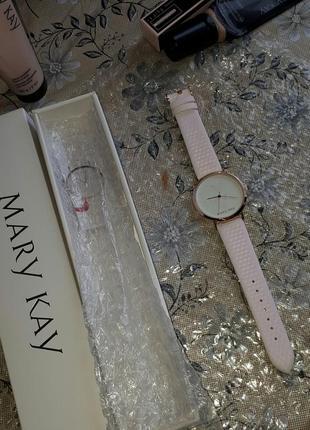 Часы-хамелеон от mary kay