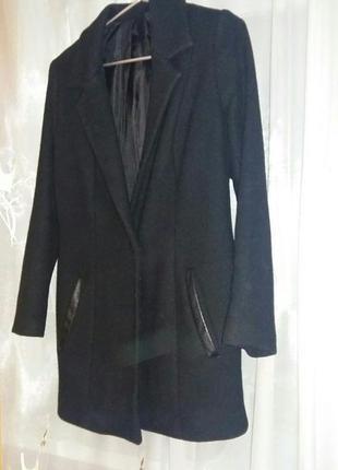 Пальто прямого покроя