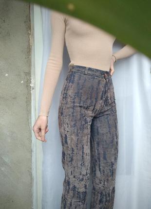 Гранжевые джинсы принт  бархатные потёртости club donna  винтаж стиль софт гранж панк
