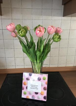 Букет открытых тюльпанов