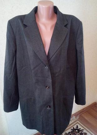 Классный пиджак 100% шерсть лана