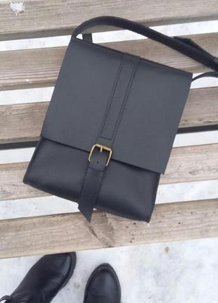 Стильная кожаная сумка через плечо