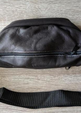 Объемная бананка из натуральной кожи сумка на пояс на плечо5 фото