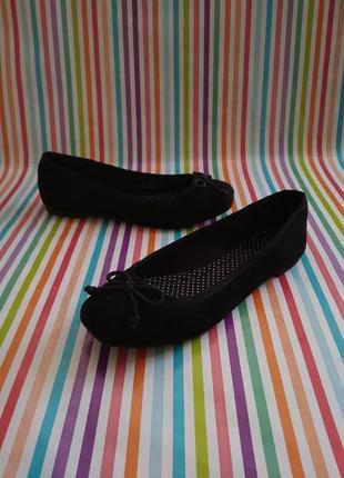 Красиві туфельки-балетки