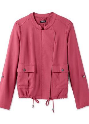 Куртка-ветровка ягодного цвета в стиле casual /100256