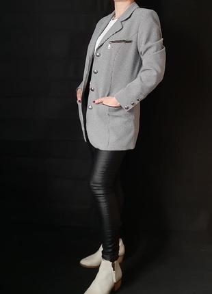 Удлинённый пиджак разм м гусиная лапка
