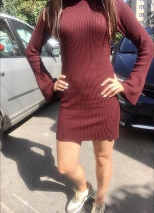 Платье гольф primark в рубчик с расклешенным рукавом