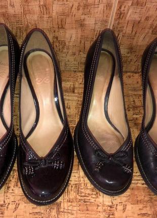 Шикарные туфли clarks р.5-38/38.5 {25 см} и р.6-39/6{25}н.кожа в идеале