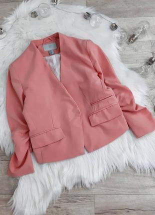 Короткий нежный пиджак h&m