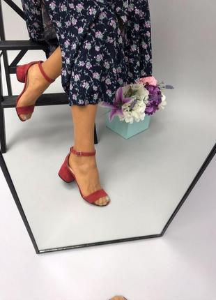 Женские босоножки на каблуке розовые натуральная замша кожа (зара)