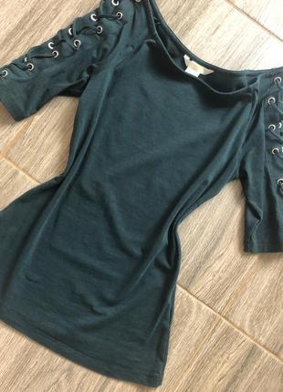 Кофточка футболка со шнуровкой на плечах из хлопка
