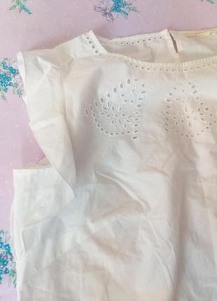 Біла коттонова блуза з воланом та решельє l