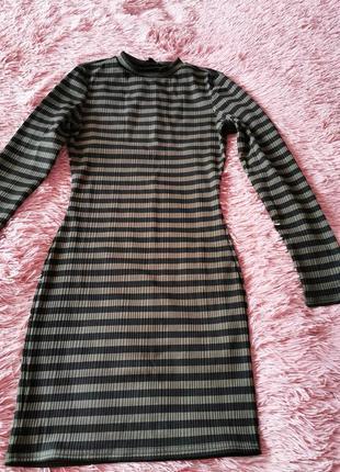 Платье по фигуре, платье в полоску