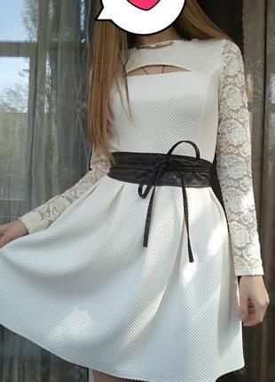 Красивое нарядное платье цвет айвори!