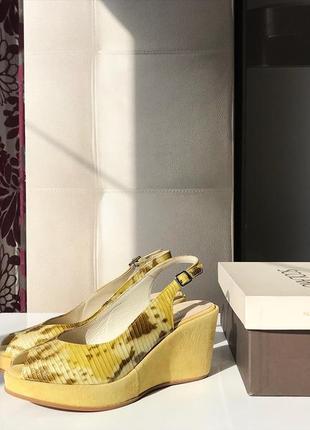 Новые замшевые туфли - босоножки на танкетке из натуральной кожи и замши, италия