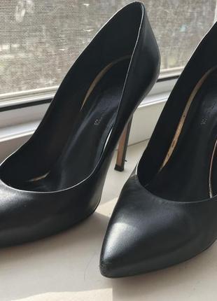 Кожаные классические туфли-лодочки