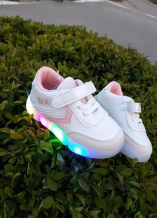 Кроссовки,кеды с led подсветкой для девочки1 фото