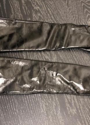 Лаковые перчатки