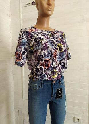 Красивая легкая блуза из вискозы