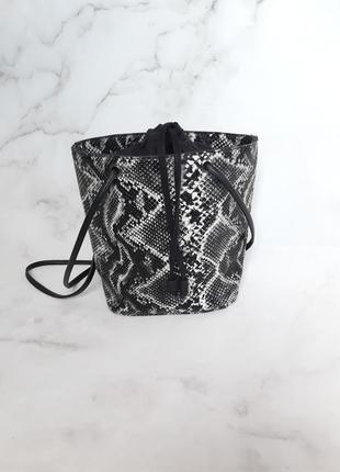 Трендова сумка в зміїний принт