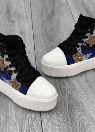 Кросівки- снікерси