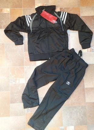 Супер цена!  черный спортивный костюм, для мальчика 6-8 лет. новый