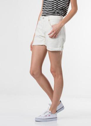 Джинсовые шорты levis