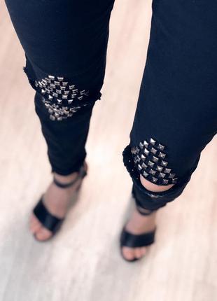 Скини джинсы дырки колени  размер с м