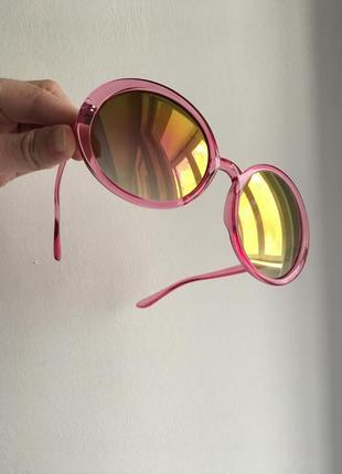 Классные круглые очки в розовой оправе хамелеоны