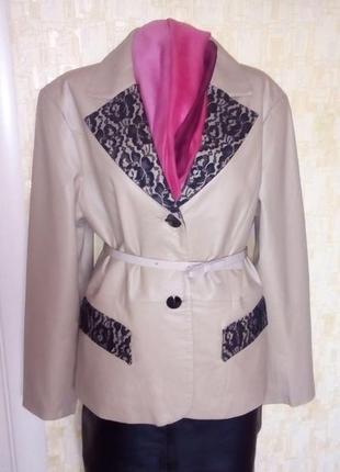 Vip!стильная 100% кожаная куртка украшена гипюром/куртка/ кардиган /плащ/пальто/тренч