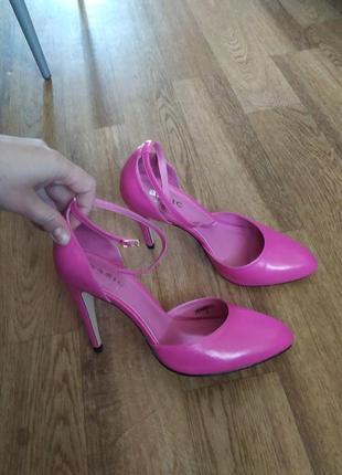Туфли ярко-розовые  фуксия , кожа