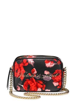 Очень красивая сумочка виктория сикрет