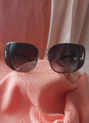 Солнцезащитные очки prada