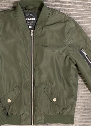 Атласный бомбер куртка cropp