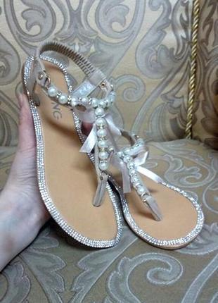 Распродажа размер 38 и 40 маломерят босоножки сандалии шикарные с бусинками и стразами