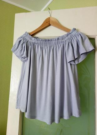 Дымчато голубая трикотажная блуза/футболка/кроп топ открытые спущеные плечи резинка