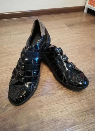 Туфли кожанные стильные 43 размер carlo pazolini оригинал