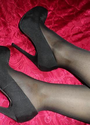 Шикарные черные туфли на высоком каблуке от atmosphere