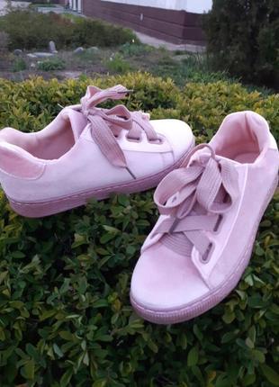 Розовые велюровые текстильные женские кроссовки,кеды