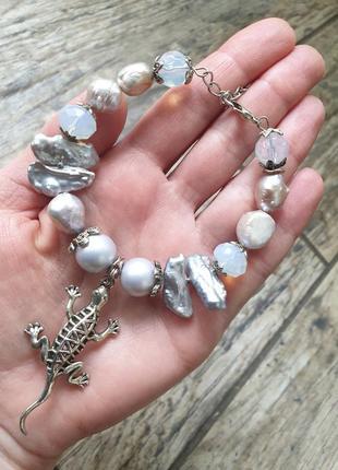 """Авторский браслет """"игуана""""🦎 с баррочным жемчугом,майоликой,лунным камнем"""