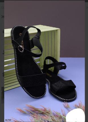 Черные босоножки сандалии на плоской подошве низкий ход со стразами